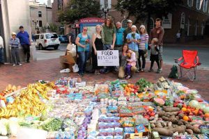 Recycled Food from dumpsters   Dumpster Dive 360